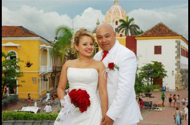 Isaura Cediel  Troaquero y Víctor Misol Gómez contrajeron matrimonio en la Igles