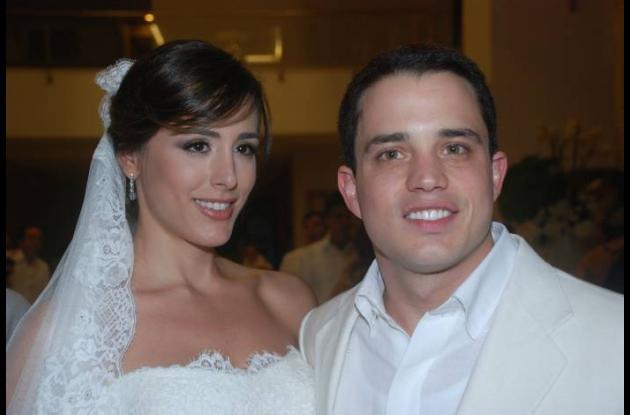 Los recién casado Shadia Farah y Jerónimo Uribe.