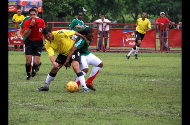 Bolívar en la final nacional sub-35.