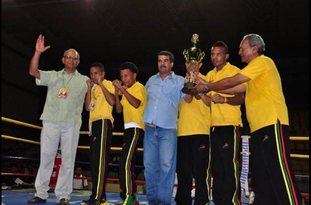 Bolívar campeón de boxeo