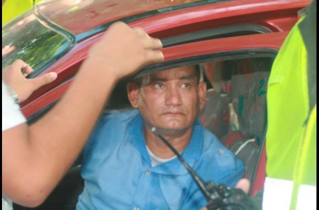 Momentos en que la Policía detiene a Gustavo Leovigildo Gutiérrez Benítez.