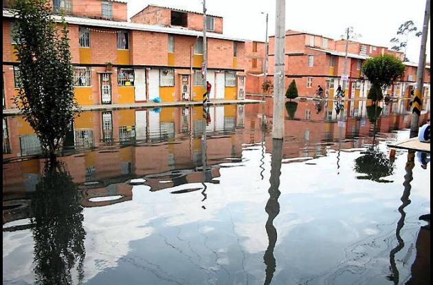 Inundaciones en el sur de la capital por el desbordamiento del río Bogotá.