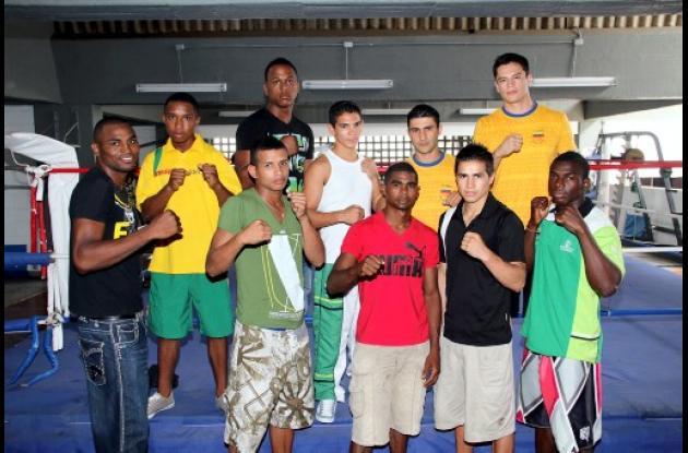 Los jóvenes boxeadores están bajo la orientación del entrenador antioqueño Abela