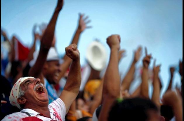 Río de Janeiro: buscan multar a los que orinan en la calle.