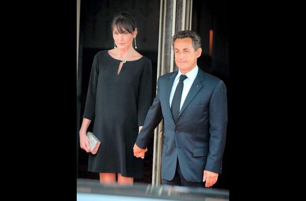 El presidente de Francia Nicolas Sarkozy y su esposa Carla Bruni-Sarkozy.
