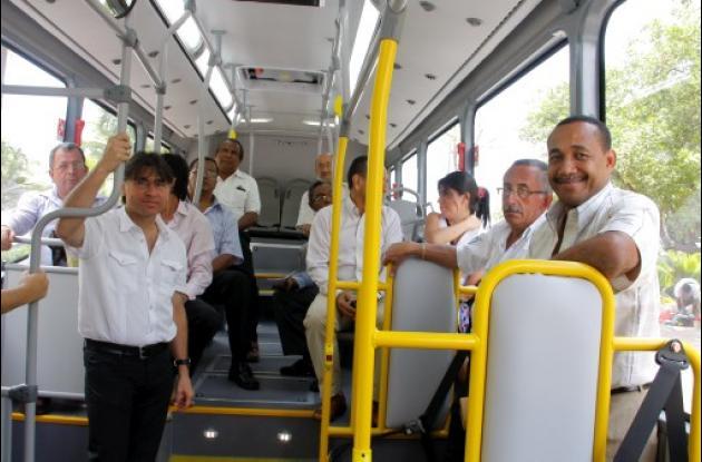 Bus padrón ofrecido por Marcopolo para Transcaribe.