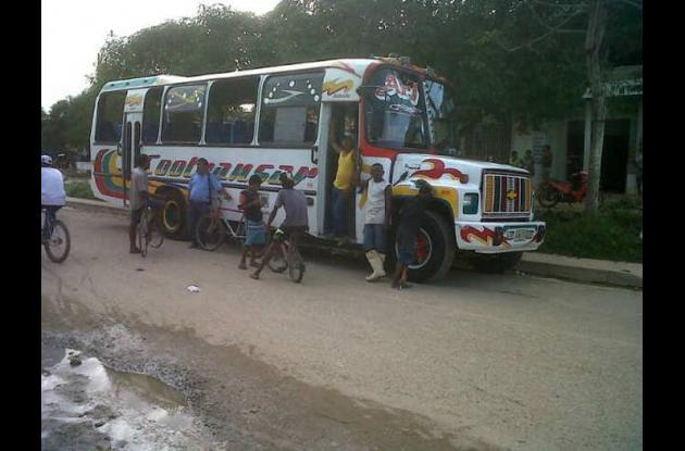 Explota pólvora en bus del municipio de Arjona.