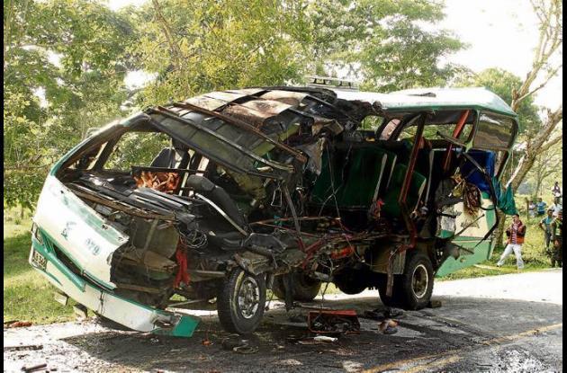 Dos de las cuatro víctimas fatales del accidente, fallecieron en el lugar de los