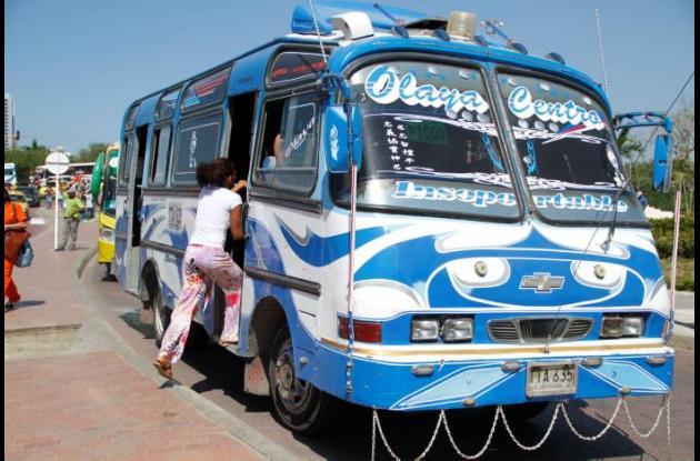 Busetas piden pago de pasaje completo