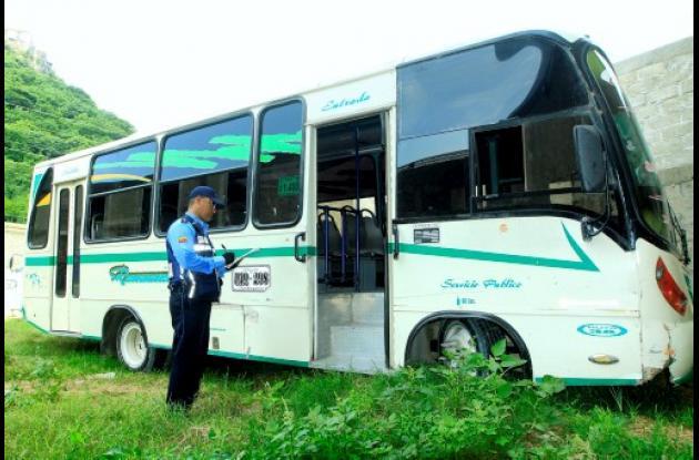 Buseta inmovilizada por el DATT en Cartagena