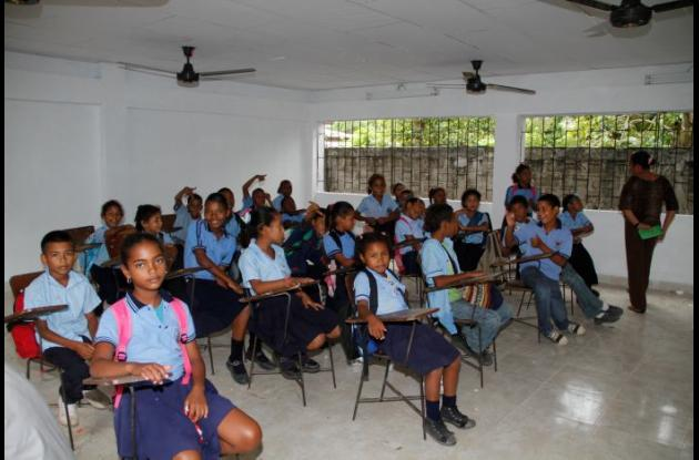 Los niños estrenaron sus salones de clases.