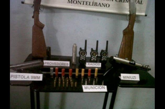 Armas encontradas en la caleta de los urabeños.