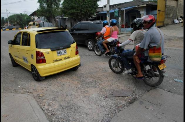 Vía en mal estado en Cartagena