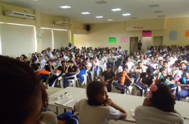 Campaña contra el embarazo en adolescentes de la Policía Metropolitana de Cartagena.