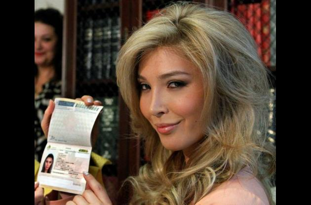 Jenna Talackova, mujer transgénero que podrá participar en Miss Universo.