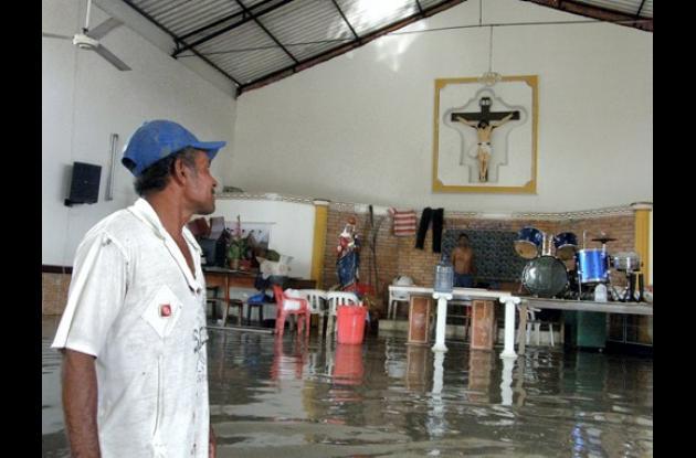Iglesia de Cantagallo, inundada.