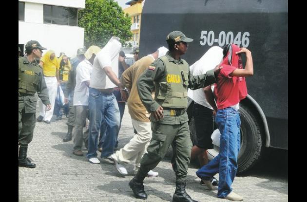 En los operativos fueron capturados 34 personas.Sólo 6 de ellos fueron hallados