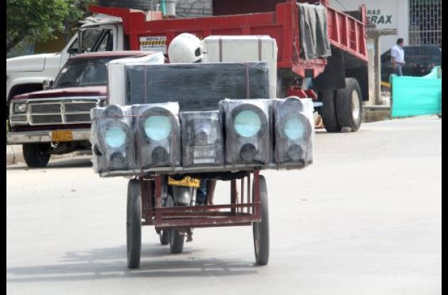 Motos con cargas peligrosas.
