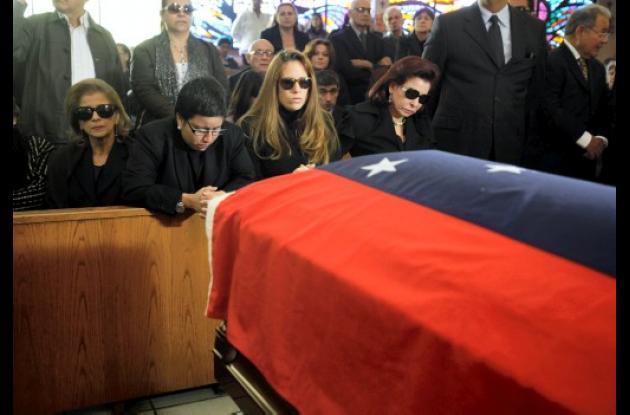 El expresidente Carlos Andrés Pérez sigue sin ser sepultado.
