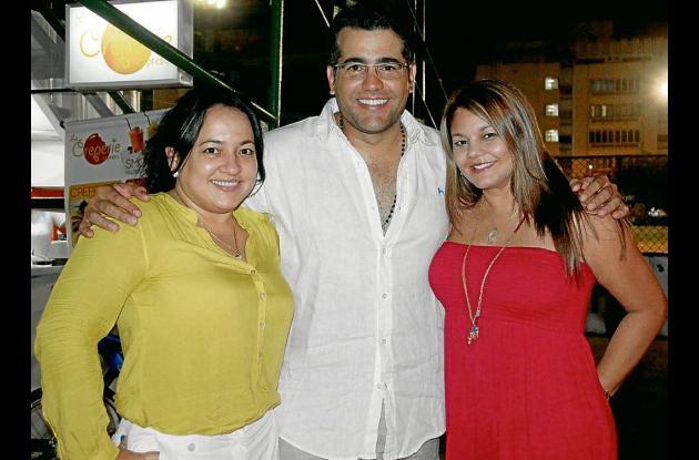 Aniversario de Carlos Calero y Paulina Ceballos