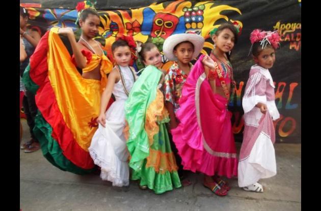 El carnavalito de los niños es un espacio que congrega a grandes y chicos.