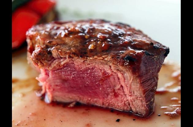 Consumir carne roja incrementa riesgos de diabetes.