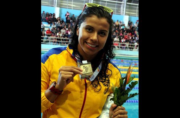 La colombiana Carolina Colorado ganó el oro en los 200 metros espalda de los Juegos Bolivarianos 2013.
