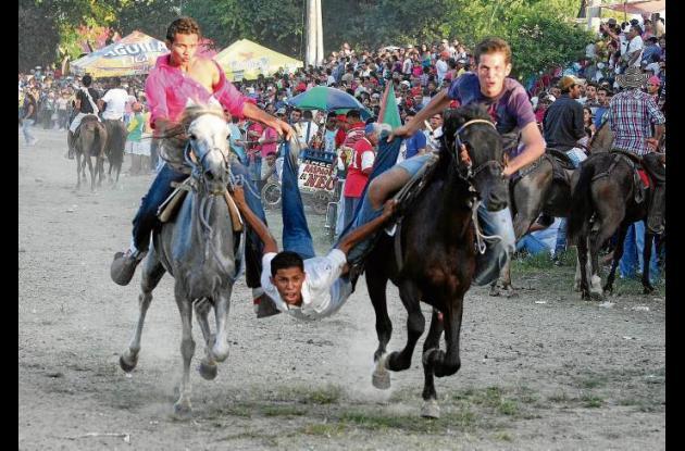 Fiestas de San Pedro y San Pablo en la pista de La Narciza en Sincelejo.