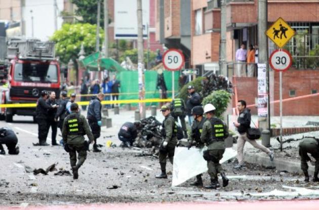 explosión del carro bomba cerca de caracol radio