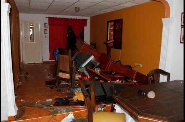 Familiares del capturado dicen que la Policía destrozó su vivienda.