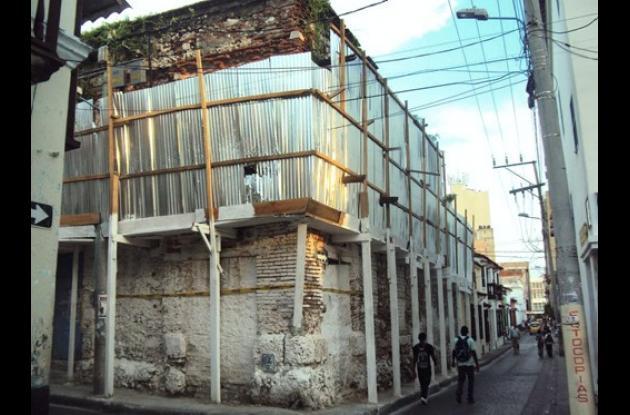 La casona de la Calle Portobelo siempre ha sido un peligro.