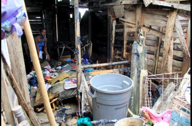 La casa fue destruida EN UN 80 %.