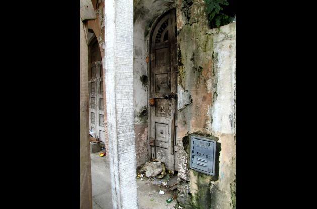 Casas deterioradas en Centro Histórico de Cartagena