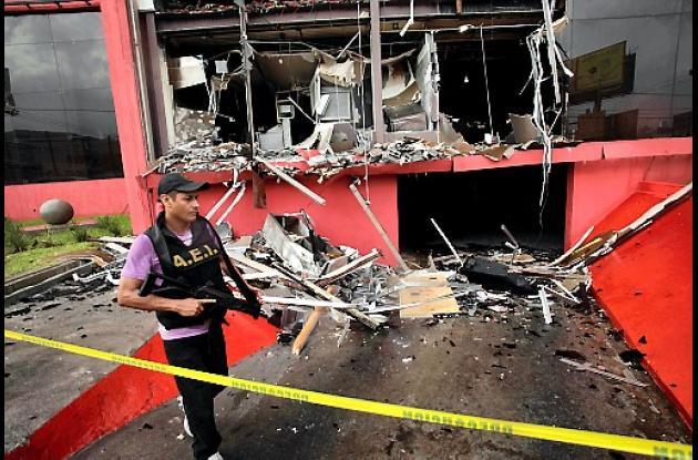 Ataque al Casino Royale en México.