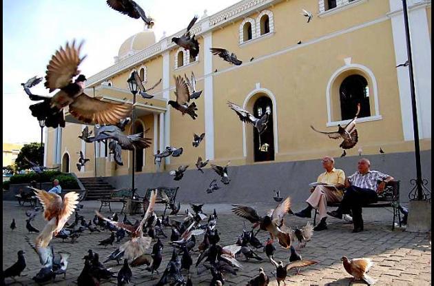 En la Catedral de Sincelejo se clausura Mes por la Paz de Colombia.
