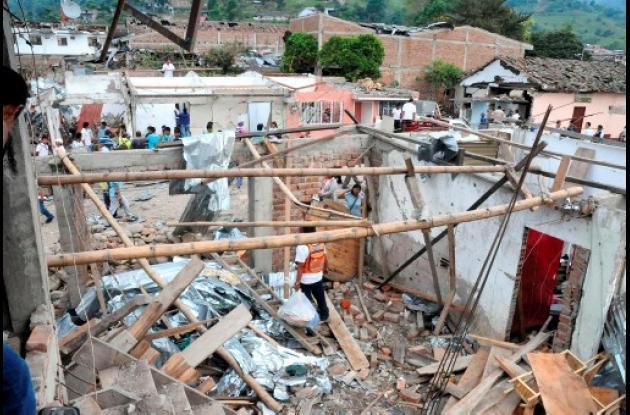 """El atentado con la """"chiva bomba"""", perpetrado por el frente 6 de las Farc, dejó 2"""
