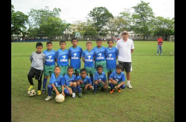 Escuela Tacasuán subcampeón preinfantil del Festival de Escuelas de Fútbol.