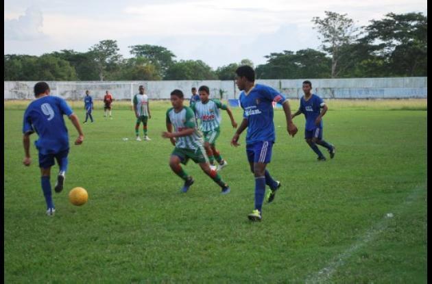competencias de fútbol de los Juegos Intercolegiados del municipio de Sahagún.