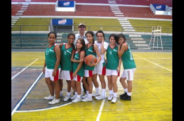 Equipo femenino del colegio Vallegrande infantil de montería.