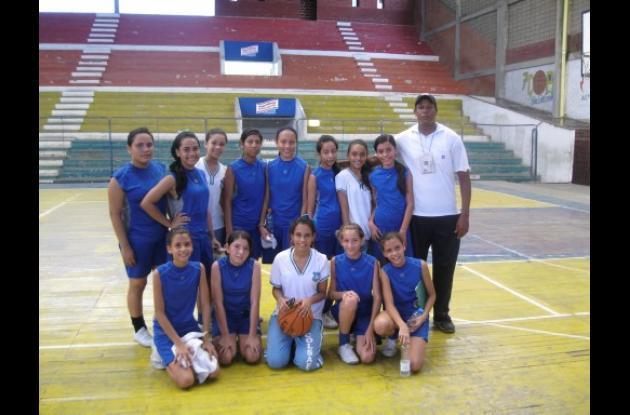 Quinteto femenino infantil del colegio Sagrada Familia de Montería.
