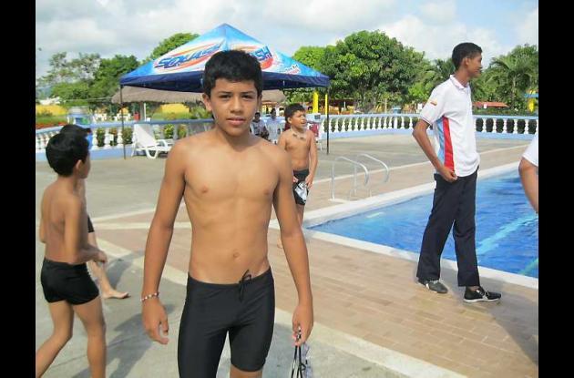 Mateo Monroy, uno de los mejores nadadores en Córdoba