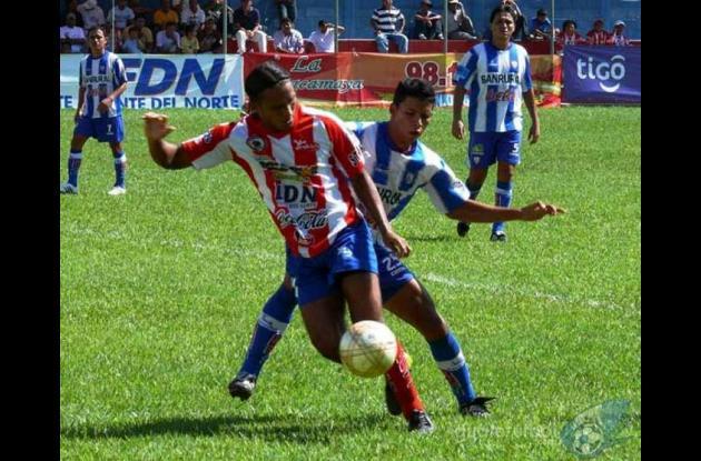 Cordobés Henry Hernández marcó el gol para el Heredia