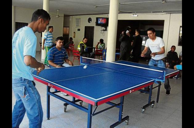Torneo de Ping Pong de la Policía en el 2012.