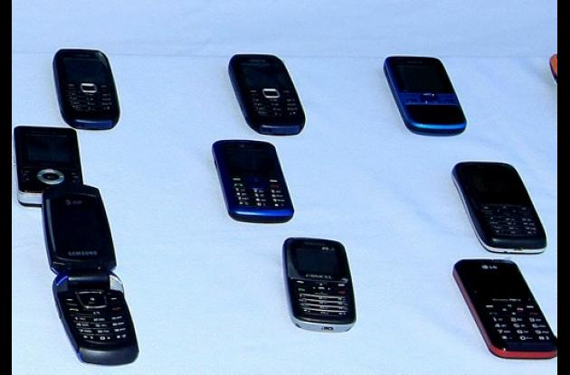 Ley de Seguridad Ciudadana contempla cárcel por manipular celulares robados.