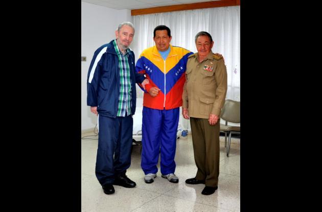 Reunión de Fidel y Raúl Castro con el presidente venezolano Hugo Chávez, luego d