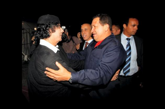 Chávez se reunió con Gadafi el año pasado.