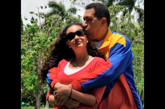 Hugo Chávez, presidente de Venezuela, y su hija Rosa Virginia.