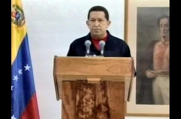 El presidente de Venezuela, Hugo Chávez, en medio de su convalecencia, sigue fir