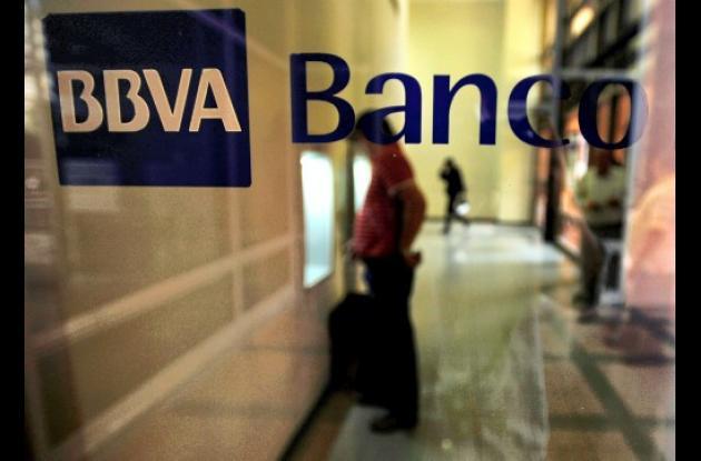 Chávez amenaza con expropiar al banco  BBVA-Provincial.