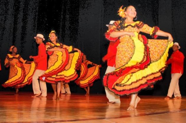 Grupo de danzas Chingalé.